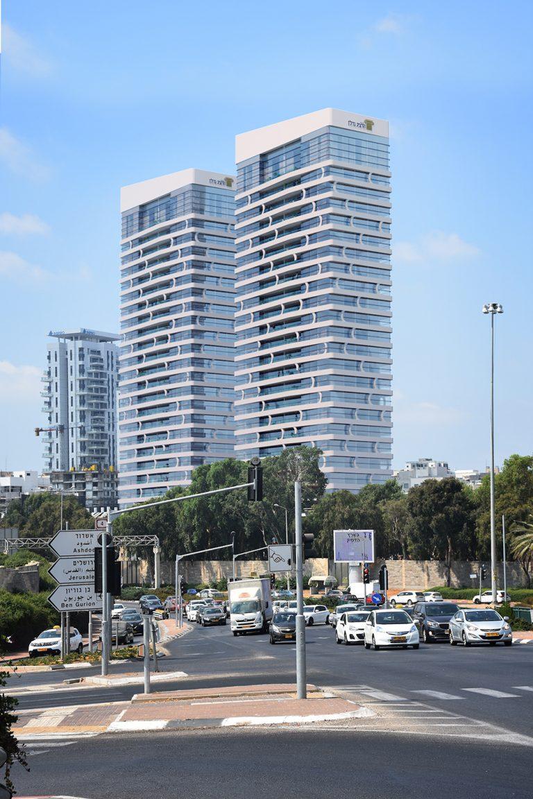 """השיפוצניק שהפך לבעלים של חברת נדל""""ן מהגדולות בישראל"""